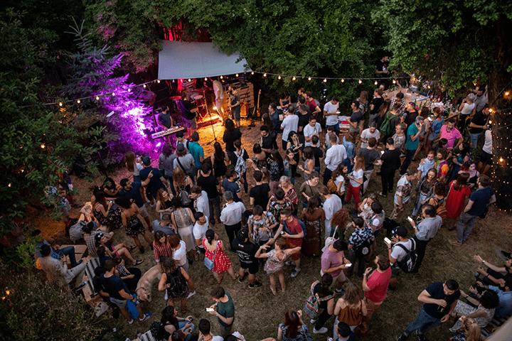 Garden-Party-at-dusk